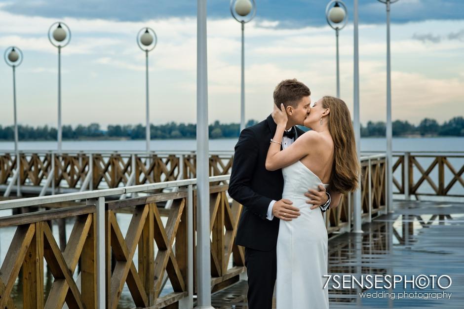 7SENSESPHOTO sesja ślubna jezioro molo 27