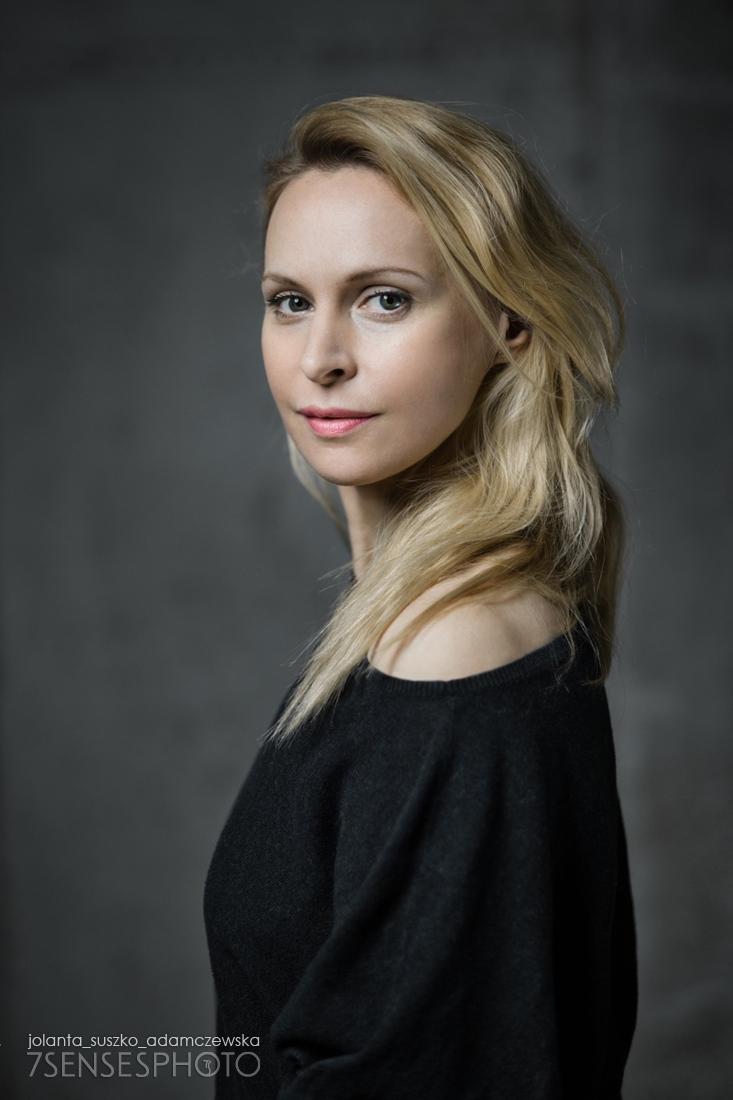 portret Paulina Holtz aktorka joginka fotografia Jolanta Suszko Adamczewska 7SENSESPHOTO