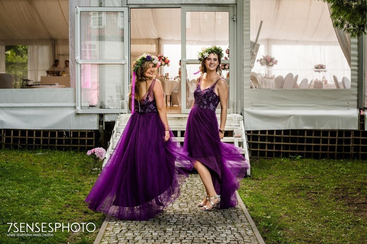 świadkowe druchny fioletowe magentowe sukienki ślub wesele wedding bridemates