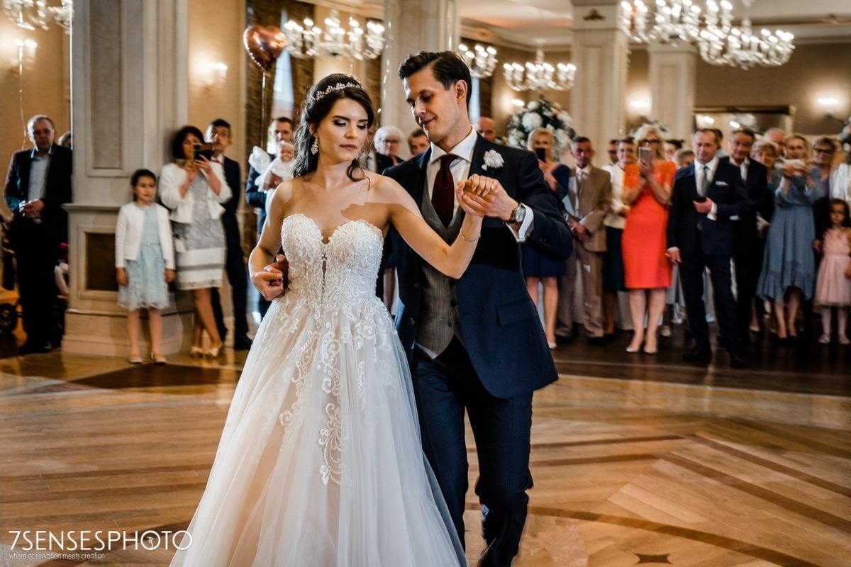 fotografia ślubna Pałac w Konarach dworek pod Kielcami wesele