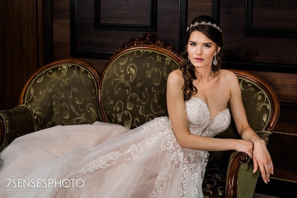Panna Młoda suknia ślubna Stella York 6692 Pałac w Konarach luksusowy dworek pod Kielcami