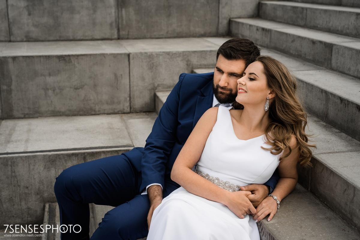 sesja ślubna Bulwary nad Wisłą Warszawa minimalistycznie elegancko