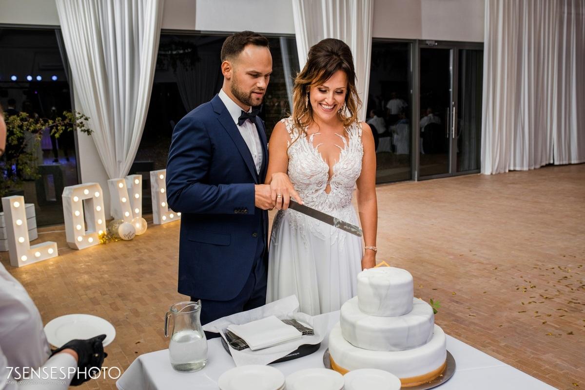 wyjątkowe wesele Warszawa fotografia ślubna Warsaw Polo Club Jaroszowa Wola tort weselny