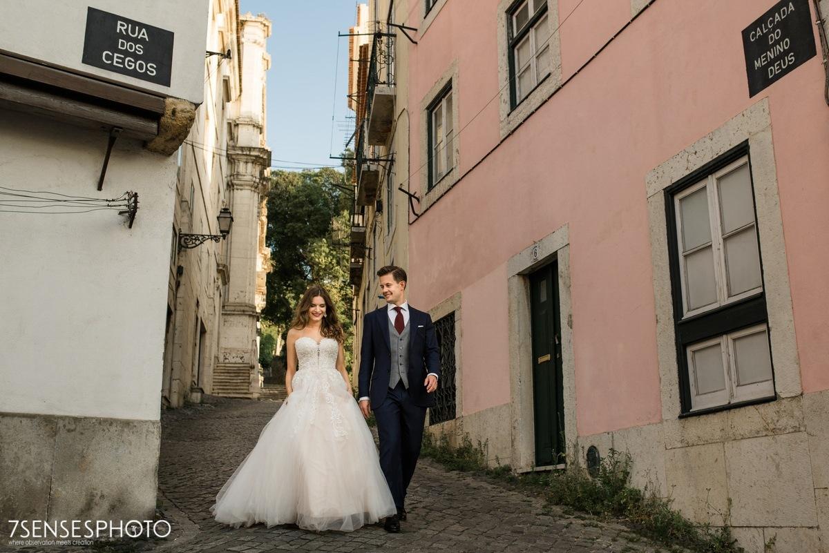 Romantyczna, magiczna sesja ślubna w Lizbonie, Portugalia, Alfama dzielnica